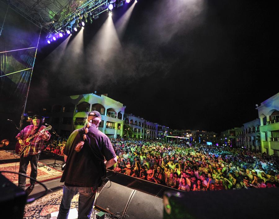 February 3, 2016 - Panic en la Playa Cinco